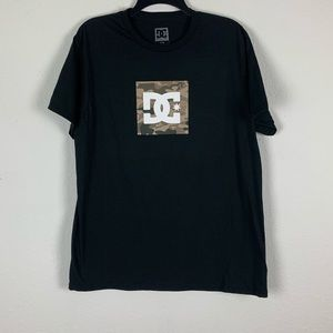 DC Large Black Camo print Graphic Tee NWOT